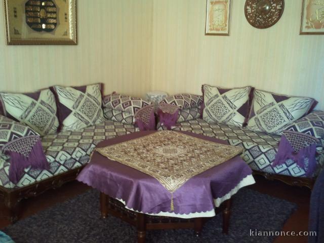 salon marocain banquette table marocaine a vendre marseille 2eme ardt maison maison jardin. Black Bedroom Furniture Sets. Home Design Ideas